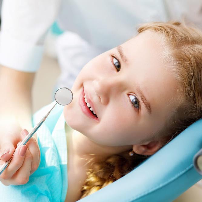 Tratamente dentare la copii
